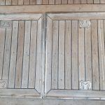 Aft deck showing hatches to lazarette