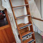 Aft deck ladder to flybridge
