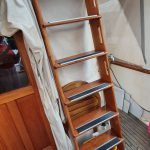Aft deck ladder to flybridge